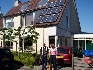 The house of family van Reems in Zwartewaal, filled with  28  solar panels and a double solar collector panel.